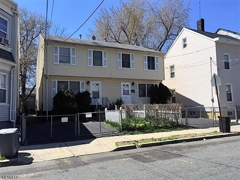 Casa Unifamiliar por un Venta en 75 Arch Street Paterson, Nueva Jersey 07522 Estados Unidos