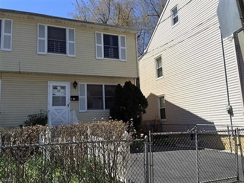 Additional photo for property listing at 75 Arch Street  Paterson, Nueva Jersey 07522 Estados Unidos