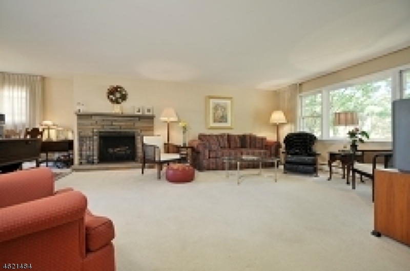 Additional photo for property listing at 8 Park Drive  Cranford, New Jersey 07016 United States