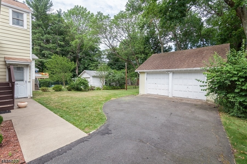Additional photo for property listing at 25 Rockland Ter  Verona, New Jersey 07044 United States