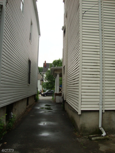 Additional photo for property listing at 71 ASHLAND Avenue  East Orange, Нью-Джерси 07018 Соединенные Штаты