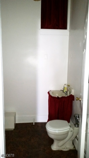 Additional photo for property listing at 301&307 E 2nd Street  Bound Brook, 新泽西州 08805 美国