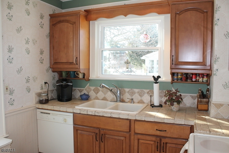 Additional photo for property listing at 95 W Johnston Street  Washington, New Jersey 07882 États-Unis