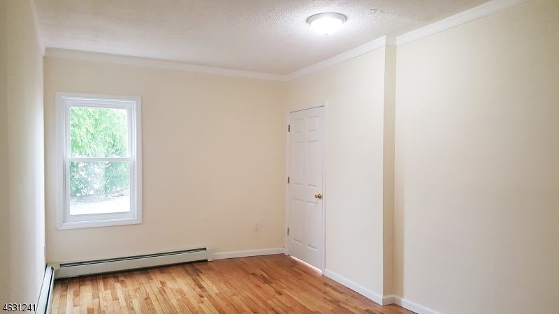 Additional photo for property listing at 10 S Fifth Street  Elizabeth, Nueva Jersey 07202 Estados Unidos