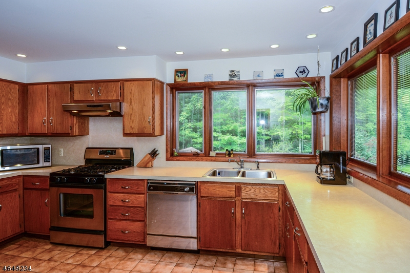 Additional photo for property listing at 12 Mackerley Road  Newton, New Jersey 07860 États-Unis