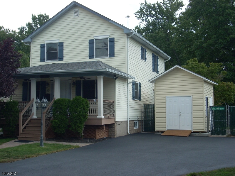 Single Family Home for Sale at 27 Jacksonville Road Pequannock, 07440 United States
