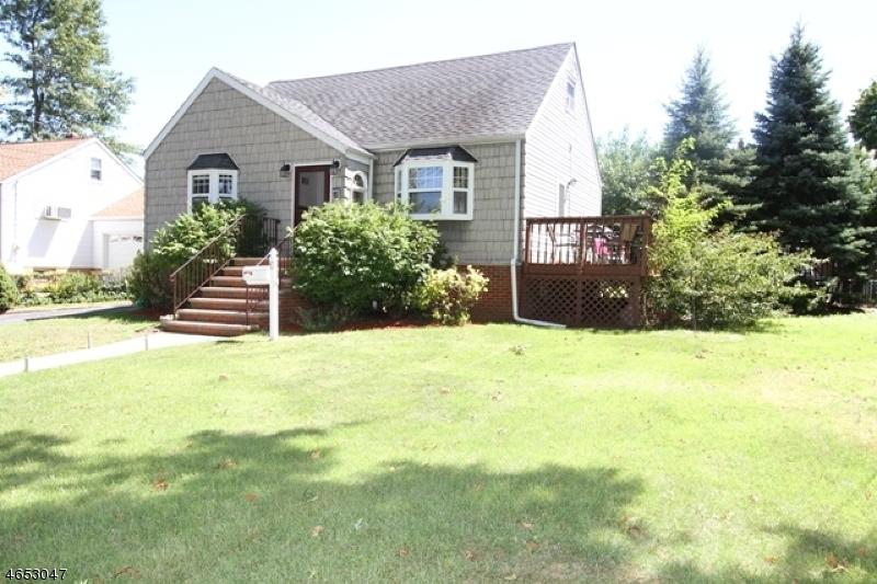 独户住宅 为 销售 在 6 Allan Drive North Arlington, 07031 美国