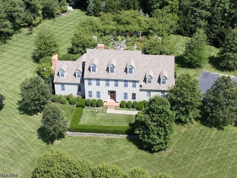 Maison unifamiliale pour l Vente à 117 Upper Kingtown Road Pittstown, New Jersey 08867 États-Unis