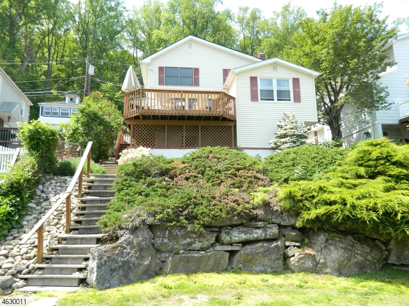 Additional photo for property listing at 154 Lakeside Dr W  Belvidere, 新泽西州 07823 美国