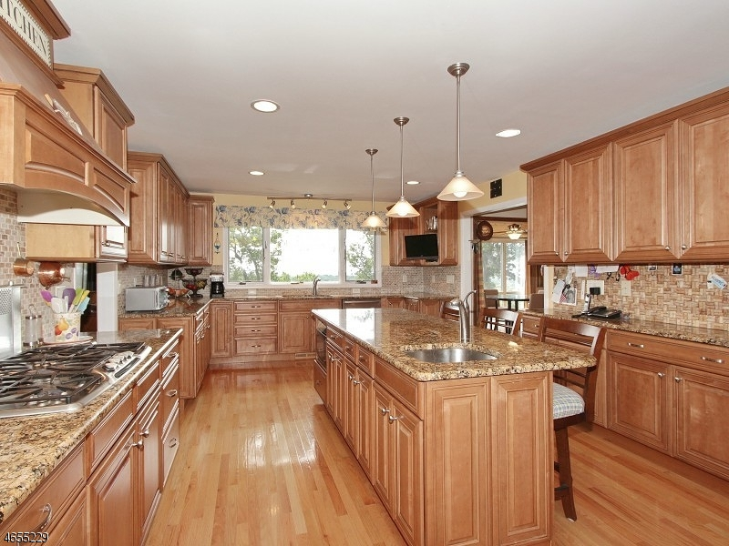 Additional photo for property listing at 2636 Far View Drive  Mountainside, Нью-Джерси 07092 Соединенные Штаты