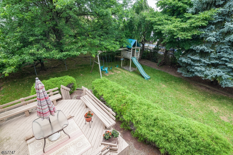 Additional photo for property listing at 31 Benjamin Drive  Springfield, Нью-Джерси 07081 Соединенные Штаты