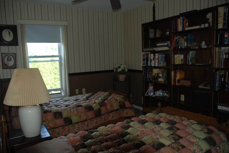 Additional photo for property listing at 180 Goldfinch Court  哈克特斯镇, 新泽西州 07840 美国
