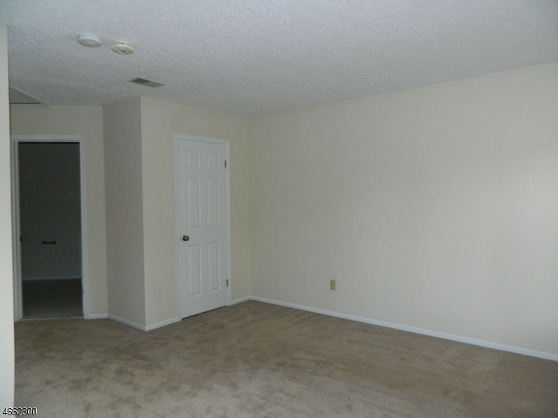 Additional photo for property listing at 955 S Springfield Ave, 3510  Springfield, Нью-Джерси 07081 Соединенные Штаты