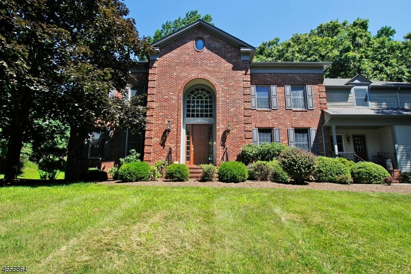 Single Family Home for Sale at 13 Beacon Hill Drive Chester, 07930 United States