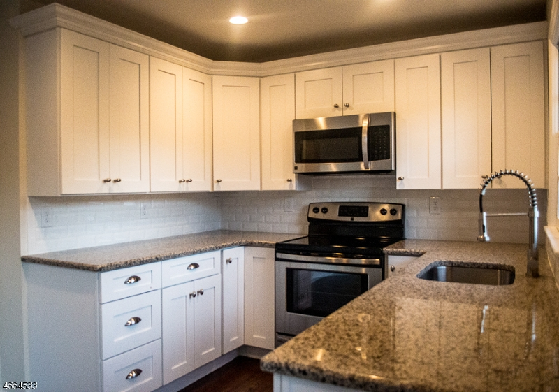 Additional photo for property listing at 141 Stedwick Drive  Budd Lake, Нью-Джерси 07828 Соединенные Штаты