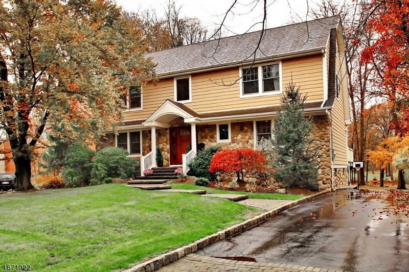 独户住宅 为 销售 在 405 Canterbury Drive 拉姆齐, 07446 美国