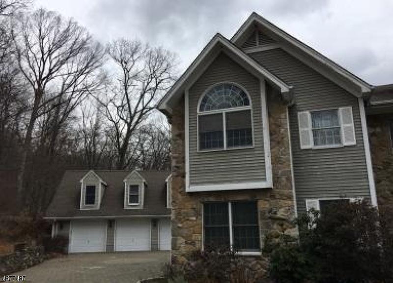 Casa Unifamiliar por un Venta en 162 Halifax Road Mahwah, Nueva Jersey 07430 Estados Unidos