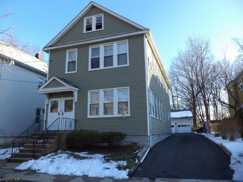 Maison unifamiliale pour l à louer à 216 E 9th Avenue Roselle, New Jersey 07203 États-Unis