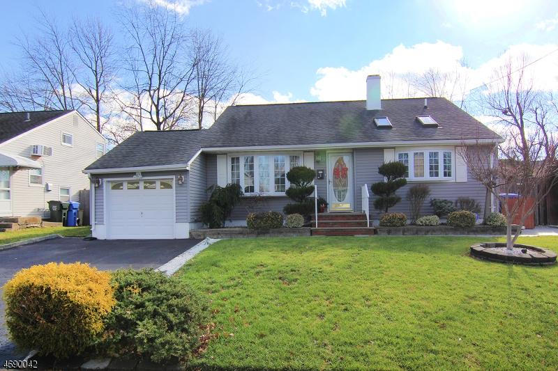 Частный односемейный дом для того Продажа на 9 FARRELL Avenue Woodbridge, 07067 Соединенные Штаты