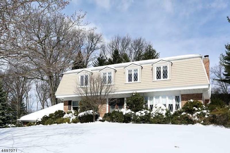 Частный односемейный дом для того Продажа на 33 Surrey Place Hawthorne, 07506 Соединенные Штаты