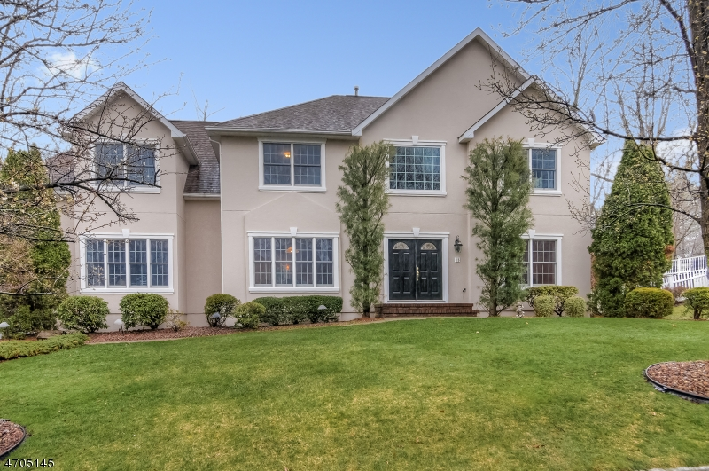 Single Family Home for Sale at 15 Kings Court Berkeley Heights, New Jersey 07922 United States