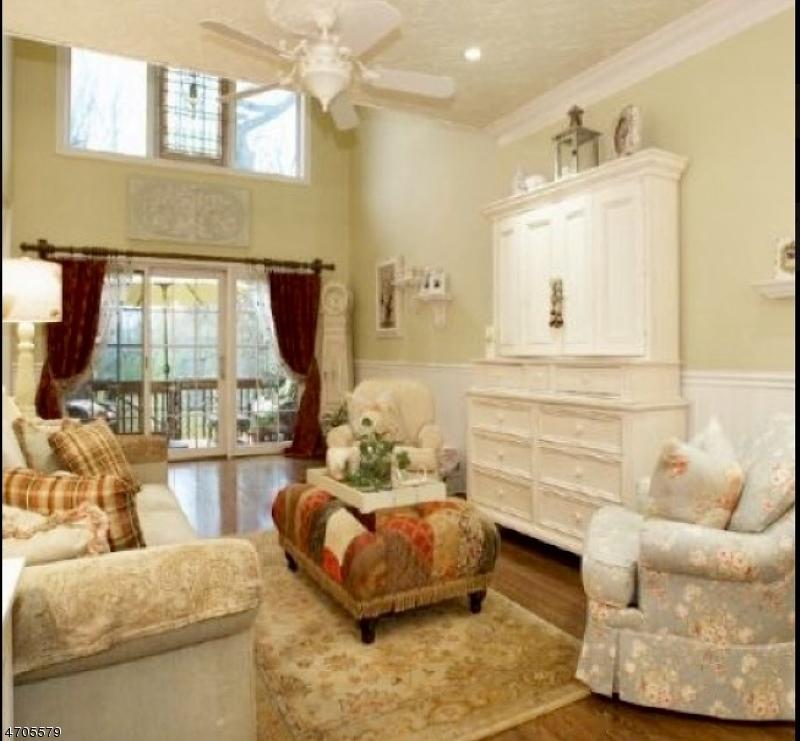 Maison unifamiliale pour l Vente à 44 Bovensiepen Court Roseland, New Jersey 07068 États-Unis