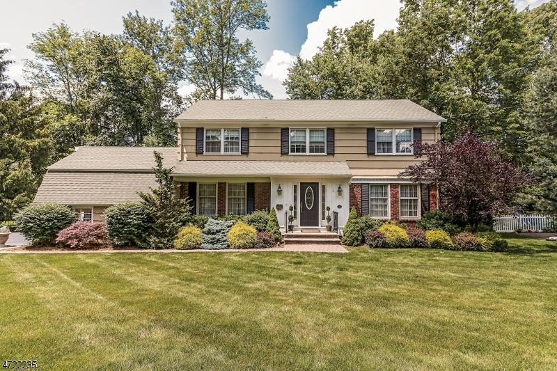 Casa Unifamiliar por un Venta en 15 HANSELL ROAD New Providence, Nueva Jersey 07974 Estados Unidos
