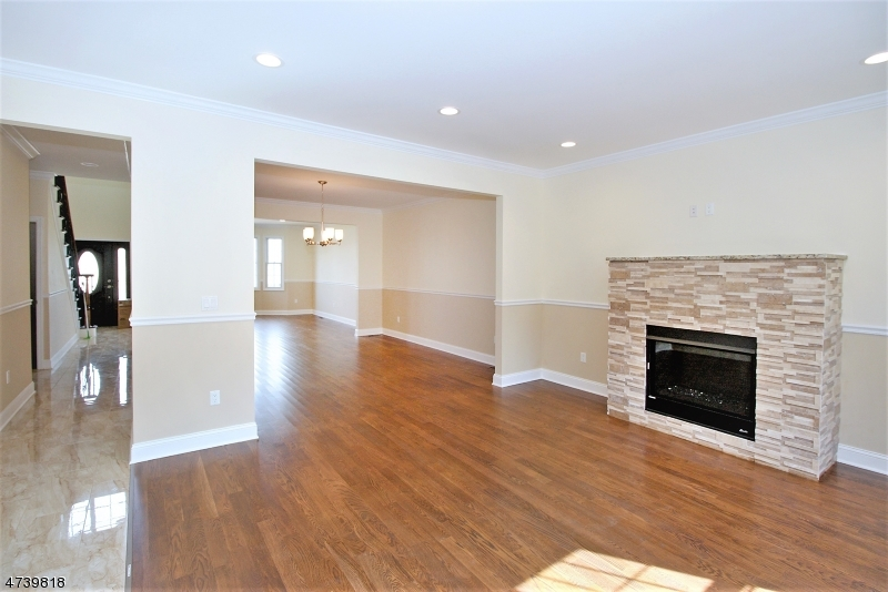 Additional photo for property listing at 262 VALLEY Road 262 VALLEY Road Clifton, ニュージャージー 07013 アメリカ合衆国