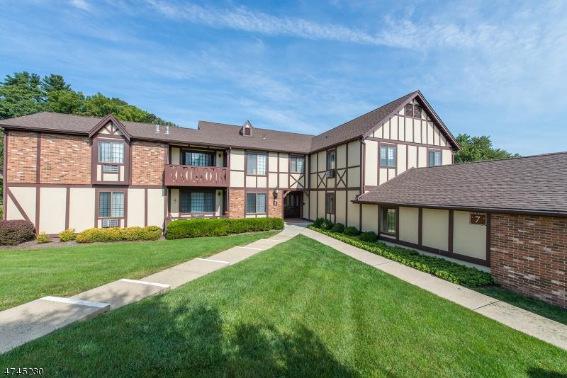 独户住宅 为 销售 在 7G CANTERBURY Road 查塔姆, 新泽西州 07928 美国