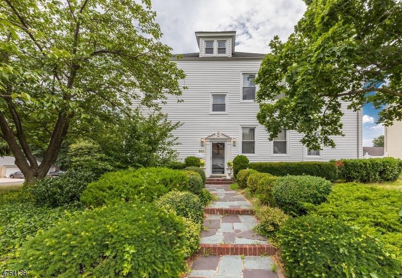 Частный односемейный дом для того Продажа на 333 S Pine Avenue South Amboy, Нью-Джерси 08879 Соединенные Штаты