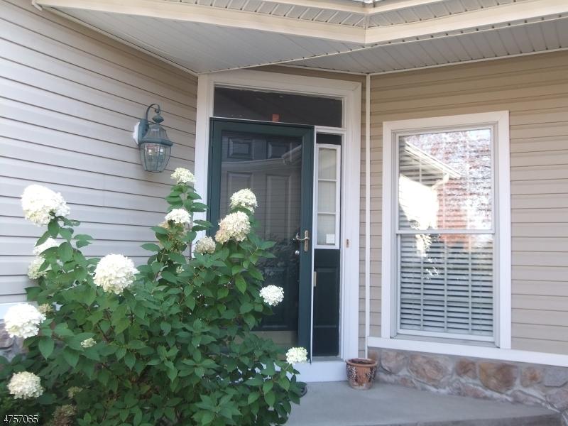 Частный односемейный дом для того Аренда на 3 Champion Blvd Livingston, Нью-Джерси 07039 Соединенные Штаты