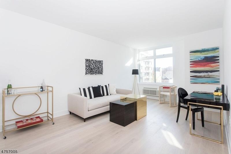 Частный односемейный дом для того Продажа на Address Not Available Hoboken, Нью-Джерси 07030 Соединенные Штаты