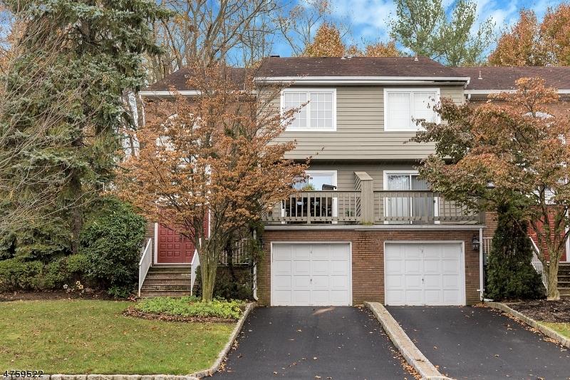 Частный односемейный дом для того Продажа на 4 Fells Manor Road Caldwell, Нью-Джерси 07006 Соединенные Штаты