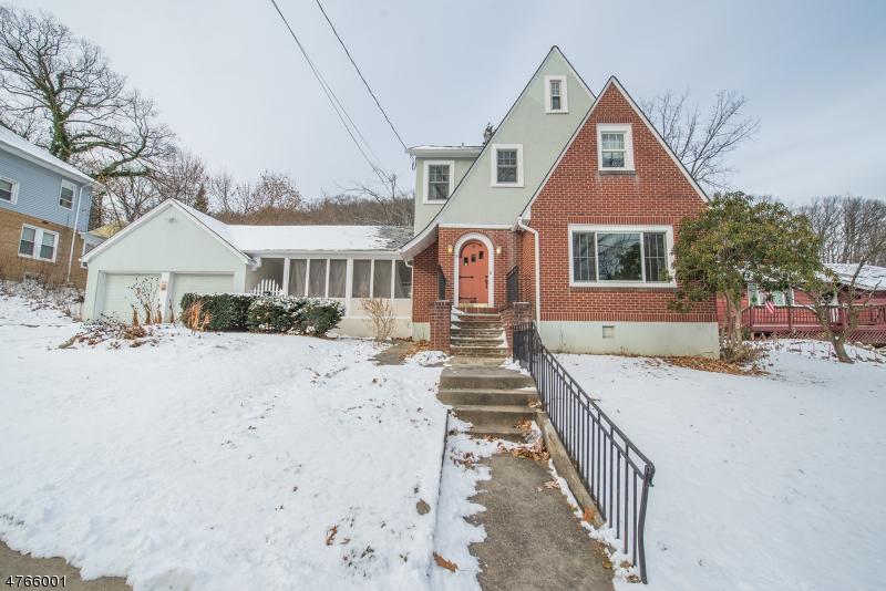 Частный односемейный дом для того Продажа на 97 Elizabeth Street Dover Township, Нью-Джерси 07801 Соединенные Штаты