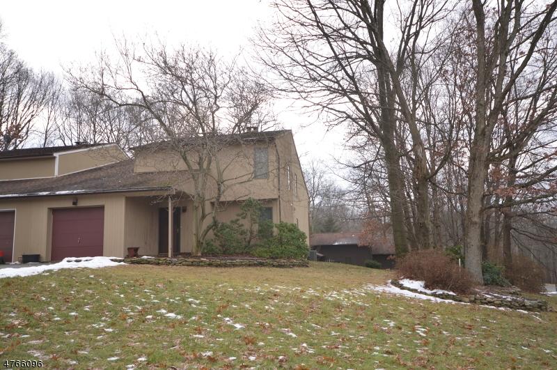 Частный односемейный дом для того Продажа на 2 Margaret Ter Sparta, Нью-Джерси 07871 Соединенные Штаты
