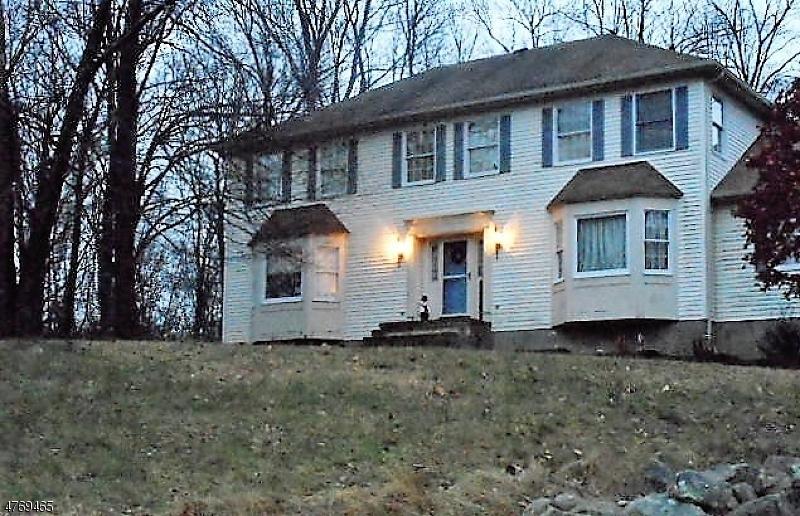 Casa Unifamiliar por un Venta en 5 Dallarda Drive Allamuchy, Nueva Jersey 07840 Estados Unidos