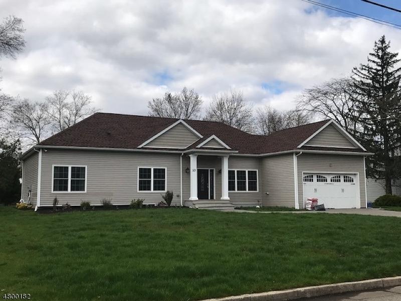 Maison unifamiliale pour l à louer à 10 Buckingham Circle Montville, New Jersey 07058 États-Unis