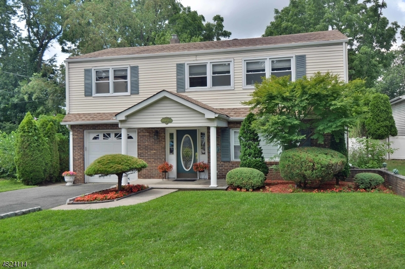 Single Family Home for Sale at 15 ELIZABETH Street Glen Rock, New Jersey 07452 United States
