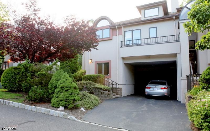 Condo / Townhouse pour l à louer à 27 SCHINDLER TER West Orange, New Jersey 07052 États-Unis