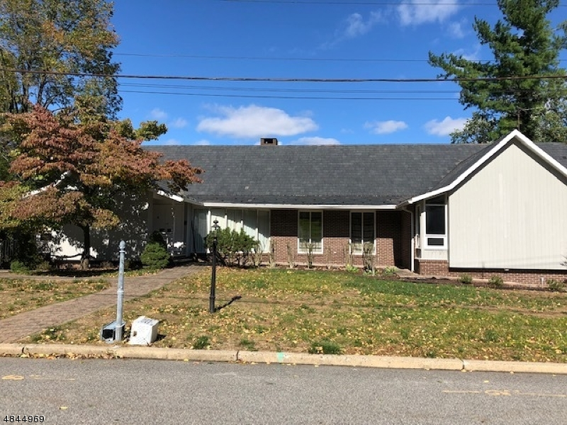 Single Family Home for Sale at 38 GLEN Court Pompton Lakes, New Jersey 07442 United States