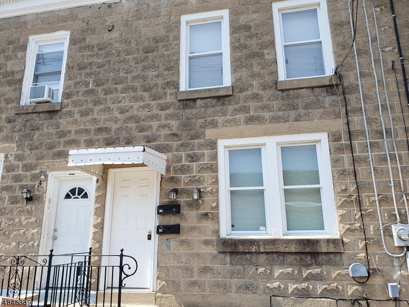 Single Family Home for Rent at 83 Jefferson St Downstairs 83 Jefferson St Downstairs Phillipsburg, New Jersey 08865 United States