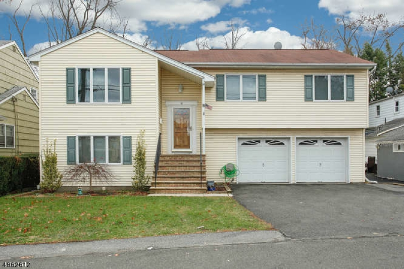 Single Family Home for Sale at 10 Dorothy Ave 10 Dorothy Ave Rochelle Park, New Jersey 07662 United States