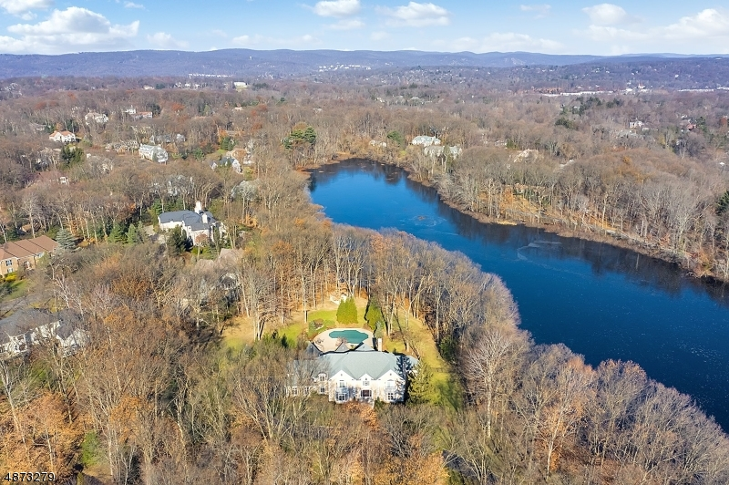 Single Family Home for Sale at Franklin Lakes, New Jersey 07417 United States