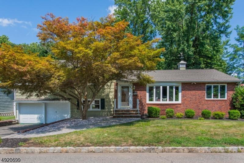 Single Family Homes für Verkauf beim Verona, New Jersey 07044 Vereinigte Staaten