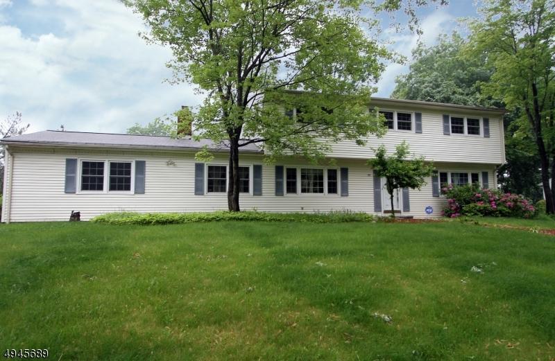 Single Family Homes para Venda às Parsippany, Nova Jersey 07054 Estados Unidos