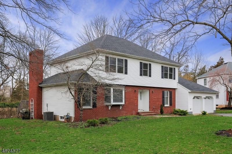 Single Family Homes per Vendita alle ore Piscataway, New Jersey 08854 Stati Uniti