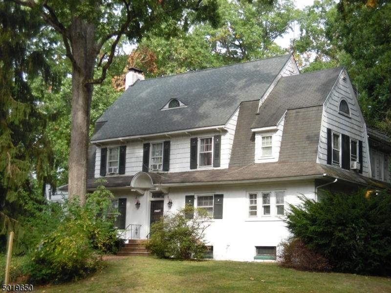Multi-Family Homes для того Продажа на Fanwood, Нью-Джерси 07023 Соединенные Штаты