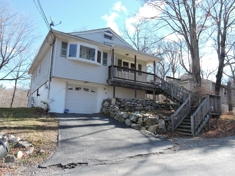 Additional photo for property listing at 3 E Pine Street  Highland Lakes, Nueva Jersey 07422 Estados Unidos