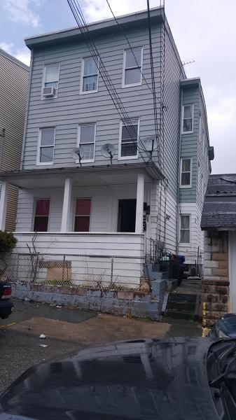 Многосемейный дом для того Продажа на 44 JASPER Street Paterson, Нью-Джерси 07522 Соединенные Штаты