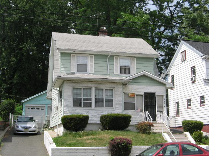 Additional photo for property listing at Address Not Available  Hillside, New Jersey 07205 États-Unis